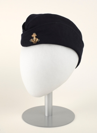 Winter WAVE Hat, 1944, wool with metal pin. (Virginia Historical Society, 1999.126.1.C, Gift of Marianna F. Worley)
