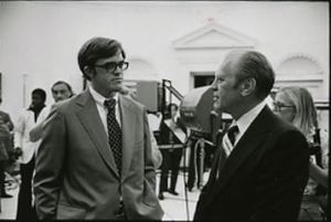 MacNelly (left) with president Gerald Ford in 1977.
