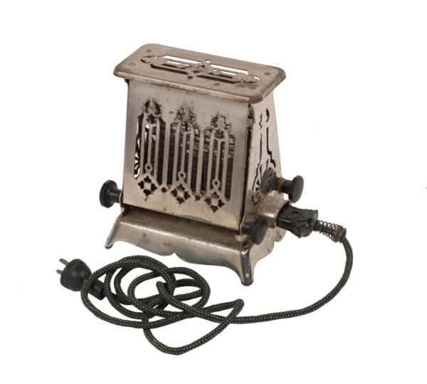 Toaster, about 1925, Hotpoint (Virginia Historical Society, Accession number: 1996.153.9, Gift of Stefan Osdene)
