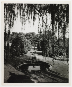 Then: View of sunken garden with round pool and connecting rill (Virginia Historical Society, 1948.W.3064)