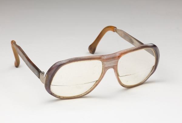 Eyeglasses worn by Oliver Hill